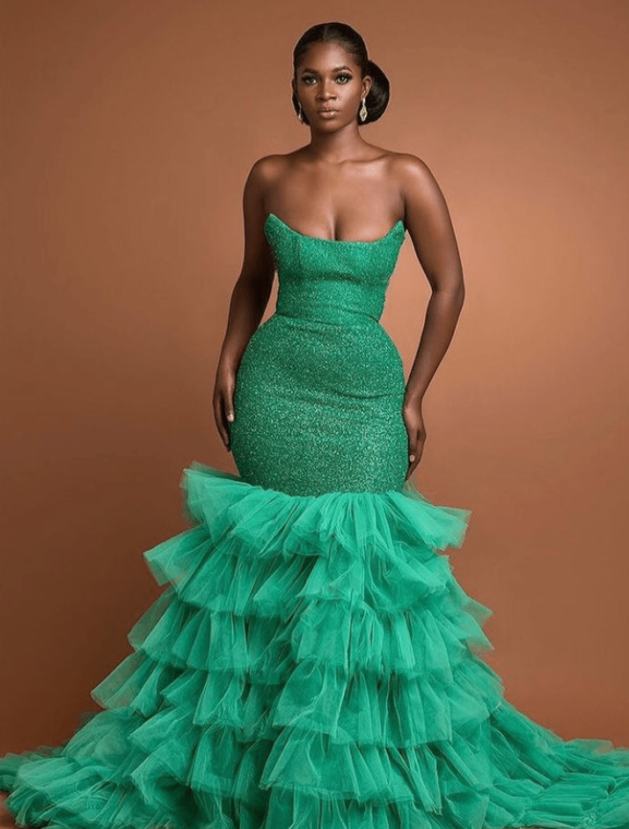 Stylish Emerald Green Colour Aso-Ebi Styles For Your Owambe